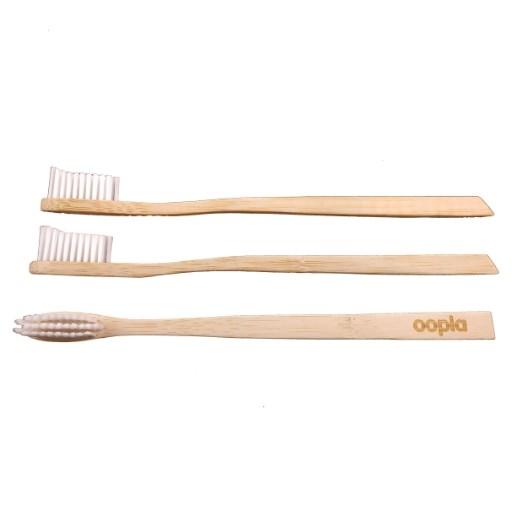 Et si tu troquais ta brosse à dents en plastique contre une brosse à dents en bambou ?