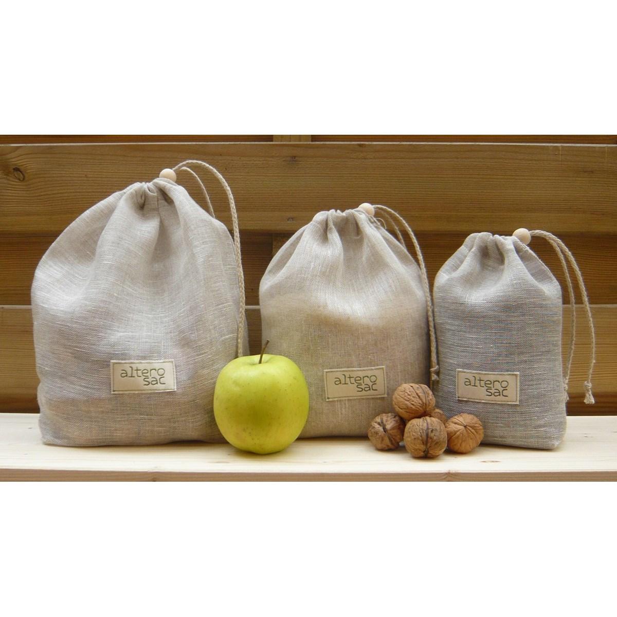 Des sacs à vrac en tissu permettent de faire des courses zéro déchet.