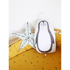 Coussin musical pingouin
