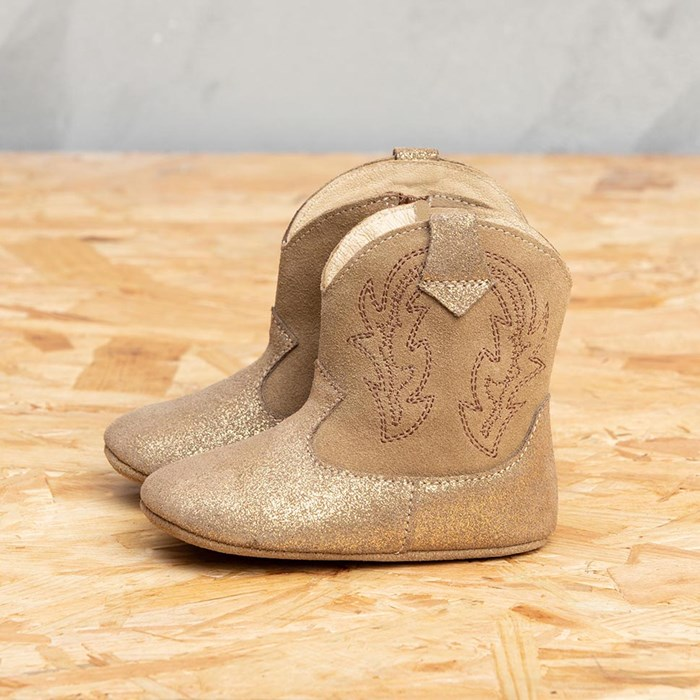 chaussons-cuir-bebe-ecoresponsable-botillons-etre-amis-modele-amaury-coloris-or-dore-gold-portugal